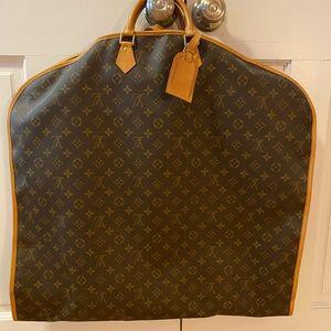 Louis Vuitton Garment Bag (Monogram Housse Habits)